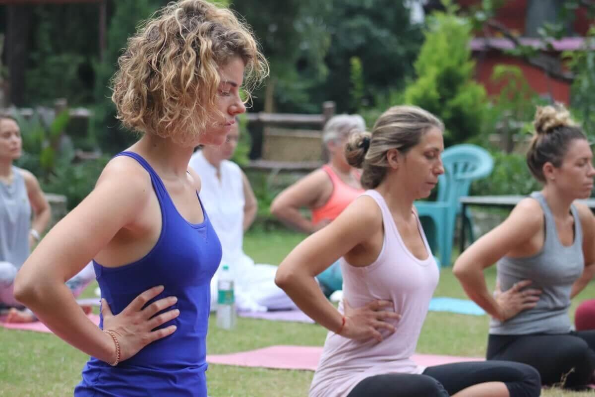 Yogavidyamandiram slide 1